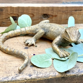 Gold Gecko figures